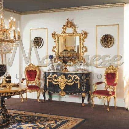 intérieur artisanal de luxe haut de gamme production de meubles italiens armoire noire classique avec un élégant miroir royal finitions dorées à la main avec des détails dorés raffinés en bois massif finitions exclusives uniques sur mesure villa royale chic intemporelle, matériaux de qualité haut de gamme projets d'ameublement artisanaux