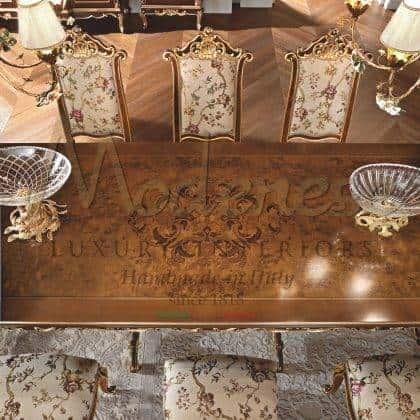 table à manger incrustée sur mesure décoration de dessus incrustation à la main décorative meubles en bois massif haut de gamme luxe chic meubles italiens fabrication exclusive en bois massif design unique chaises de qualité supérieure fabriqués en Italie rembourrage élégant
