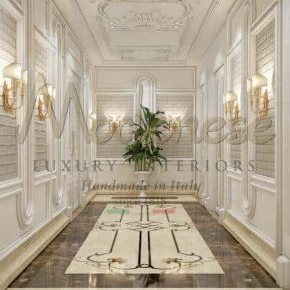 empire chic luxe italien élégant mur de boserie détails de finition à la feuille d'or classique détails gracieux meubles en bois massif fabriqués en Italie artisanat villa italienne décorations royales meubles de style baroque en bois massif sur mesure