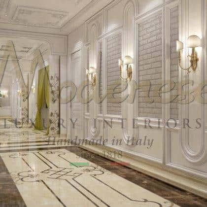 meubles italiens de luxe royaux détails de finition à la feuille d'argent mur de boiserie majestueux palais royal meubles de banc de lit de maître en bois massif fabriqués en Italie artisanat design d'intérieur exclusif villa italienne décorations royales meubles de style baroque traditionnel intemporel vénitien artisanal fait main