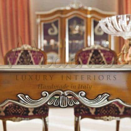 table à manger en bois massif fabriquée à la main détails meubles d'ornement de style baroque italien de luxe sur mesure production de meubles de meilleure qualité en bois exclusif fabriqué en Italie éléments décoratifs de style vénitien au design traditionnel.