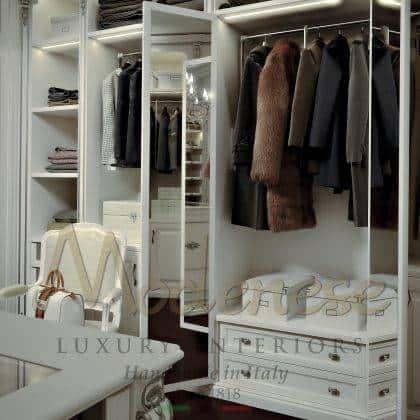 majestueux meubles fixes de luxe armoires artisanat beau made in Italy armoire avec tiroirs de luxe style classique traditionnel fait sur mesure en Italie design exclusif opulent chic détails de décoration intérieurs fabriqués à la main fabrication artisanale
