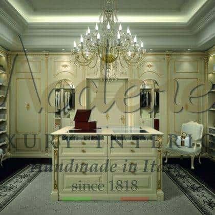 Роскошные итальянские гардеробные комнаты из массива дерева высокое качество полностью на заказ элитный итальянский дизайн резьба ручной работы шкафы из массива дерева эксклюзивные дизайны интерьеров идеи мебель высокого качества сделано 100% в италии