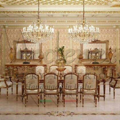 table à manger sculptée à la main en bois massif incrusté de meubles italiens de luxe meubles de salle à manger royaux table à manger sur mesure en bois massif de qualité supérieure raffiné fabriqué en Italie rembourrage pour chaises fabrication artisanale haut de gamme fabriquée en Italie meubles classiques.