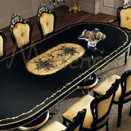 décoration de dessus de feuille d'or à la main détail de la table à manger finition personnalisable sculpté à la main en bois massif de luxe italien production de meubles artisanaux haut de gamme élégantes idées de meubles de salle à manger