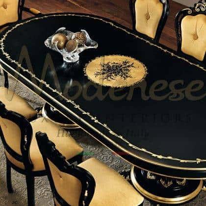 fait à la main sur mesure décoration de dessus de feuille d'or détail de la table à manger finition personnalisable sculpté à la main en bois massif de luxe italien production de meubles artisanaux haut de gamme élégantes idées de meubles de salle à manger