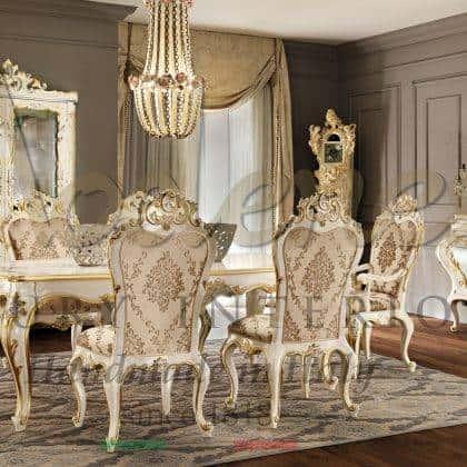 ensemble de meubles de salle à manger classiques de luxe de conception baroque fabriqués à la main buffet en bois massif vitrine intemporelle table à manger à la main décoration de dessus éléments décoratifs tissus sur mesure fabrication de meubles italiens classiques de qualité supérieure matériaux en bois massif mode de vie de luxe idées d'ameublement élégantes belle collection riche