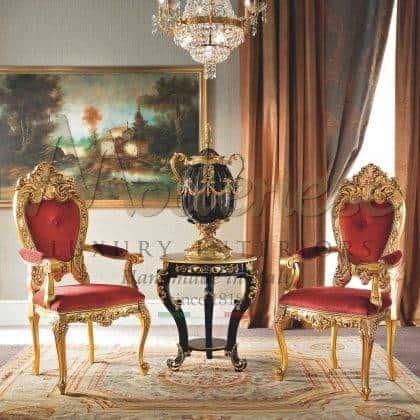 table basse noire précieuse élégant haut chic en bois noir tissus de conception italienne détails de feuille d'or raffinés meubles de luxe en bois massif sophistiqués fabriqués à la main luxueux palais royal décoration exclusive de la maison meilleur fabriqué en italie matériaux