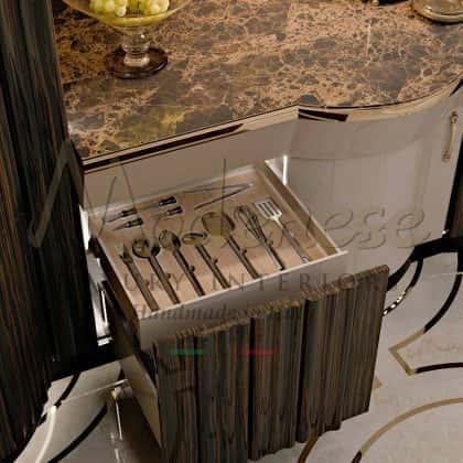 Стильная дизайнерская кухня Арроганс эксклюзивная коллекция из роскошного дерева палисандр лаковое покрытие свальные детали уникальная кухня высокого качества из массива дерева от итальянского производителя мебели премиального качества