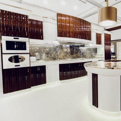 роскошный дом классическая элегантная мебель королевская вилла дворец ручной работы в Италии лучшие студии дизайна интерьеров проекты под ключ крокус москва isaloni всемирная выставка дизайна неделя